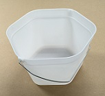 Item No 1218  Pail 4 Quart, Hex 6 sides Pail, White, wire handle, 100 pack