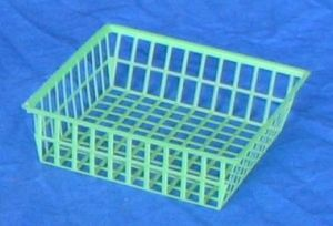 Item No 402: Green 1/2 Pint Mesh Plastic Berry Till, Square Half Pint Basket, Qty: 3,125