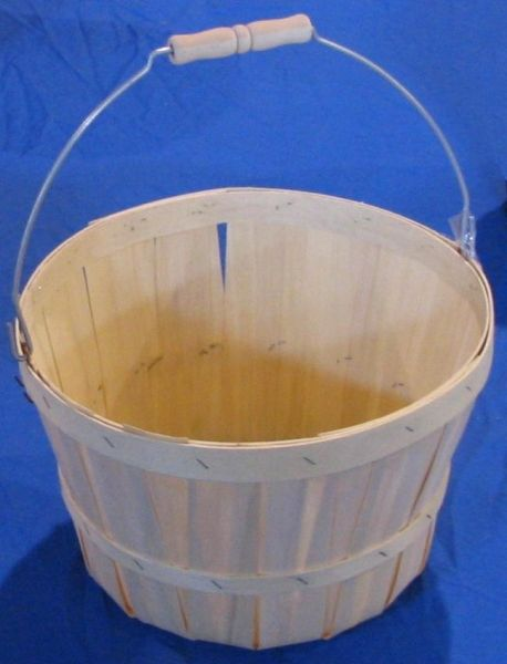 Item No 469 1 2 Peck Basket Natural Wood Handle 50