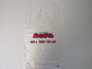 Item No. 595  T-Shirt Poly Bag, clear, Strawberries, 1,000 pack