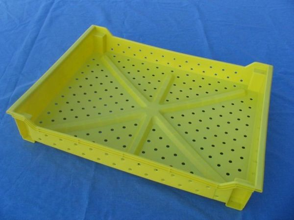 Item No 696 Berry Harvesting Tray Vented Harvesting And